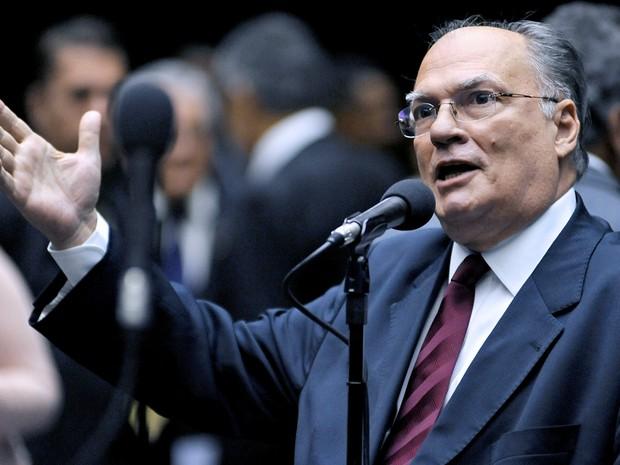 Deputado Roberto Freire (PPS-SP) durante sessão no plenário da Câmara dos Deputados, em Brasília, em 10/05/2011 (Foto: Beto Oliveira/Câmara dos Deputados)