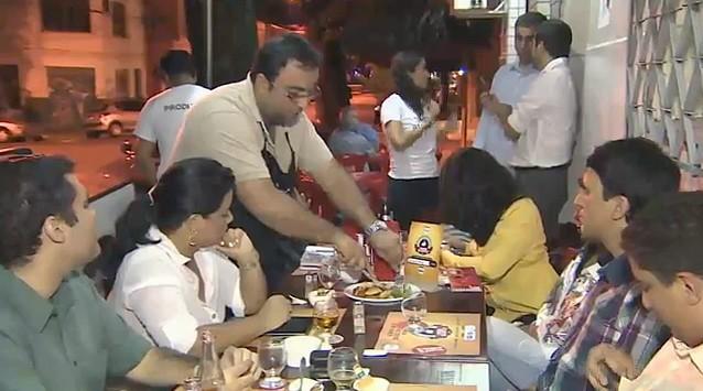 Caravana da Imprensa lança o 'Comida de Buteco' em Manaus (Foto: Amazonas TV)