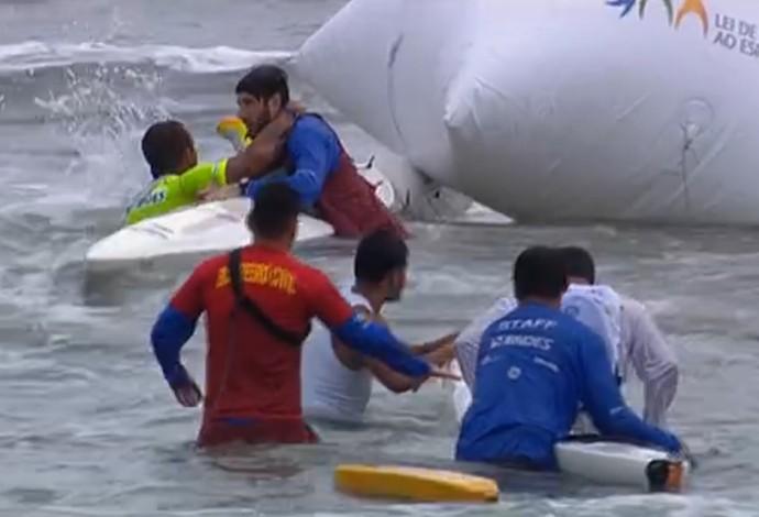 Fernando Fernandes acidente brasileiro canoagem praia grande (Foto: Reprodução SporTV)