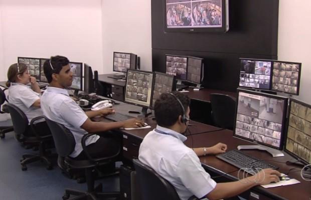 Câmeras reduzem em cerca de 75% os crimes em ônibus, em Goiânia Goiás (Foto: Reprodução/TV Anhanguera)