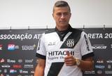 João Lucas, lateral-esquerdo da Ponte Preta