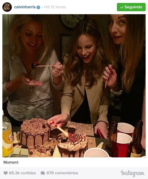 Calvin Harris posta foto de Ellie Goulding, Halston Sage e amiga (Foto: Instagram / Reprodução)