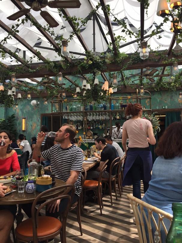 Restaurante Pink Mamma, em Paris (Foto: Paula Prado)