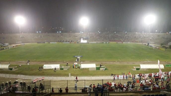 campinense x salgueiro, copa do nordeste, estádio amigão (Foto: Marcos Vasconcelos / GloboEsporte.com/pb)