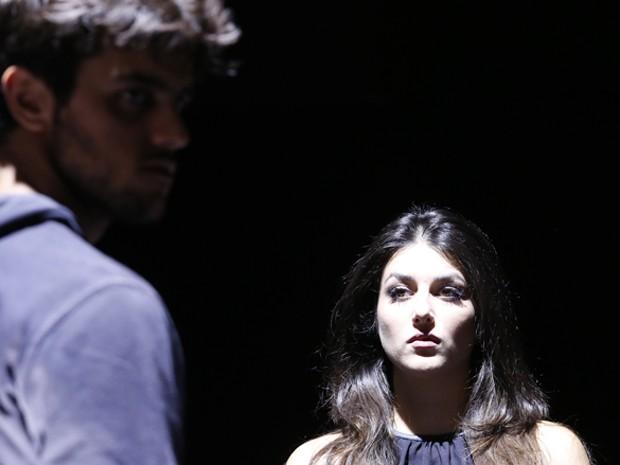 Anaju Dorigon, a Jade, também aparece pra assombrar o lutador (Foto: Ellen Soares / Gshow)