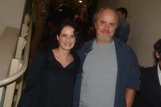 Denise Fraga e o marido na sessão para convidados da peça Meu Deus (Foto: Caio Duran / AgNews)