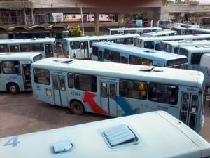 Entradas e saídas de terminais de ônibus foram fechadas por motoristas e cobradores em protesto. Esta é uma imagem do Terminal da Parangaba. (Foto: Ludigardo Oliveira/Arquivo Pessoal)