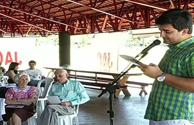 Chico 'não sofre com nada' e quer viver mais uns 50 anos', em Goiás (Foto: Reprodução / TV Anhanguera)