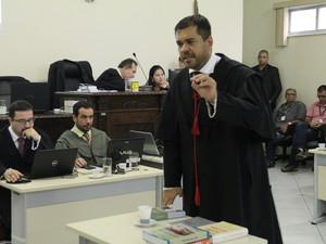 Julgamento Naiara Karine 2016, em Porto Velho, RO, terceiro dia, promotor Elias Chakian Filho (Foto: TJ-RO/Divulgação)