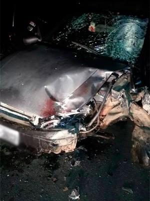 Acidente aconteceu na RN-160; carro e moto bateram de frente (Foto: Divulgação/Polícia Militar do RN)