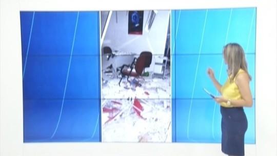 Bandidos explodem caixas eletrônicos em São José do Safira
