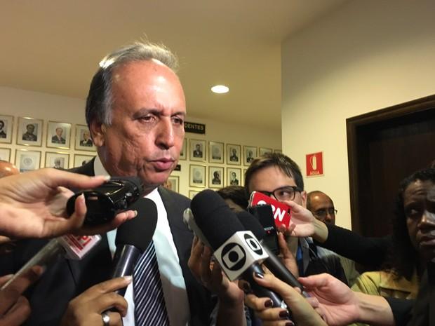 Pezão garante que o governo tem feito cortes (Foto: Fernanda Rouvenat/G1)