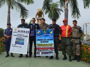 Representantes das guardas civis municipais de outras capitais participaram da marcha em Boa Vista (Foto: Valéria Oliveira/G1)