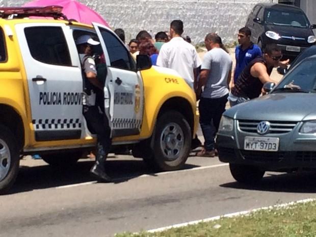 Segundo a PM, policial foi baleado durante uma tentativa de assalto (Foto: Andréa Luiza/G1)