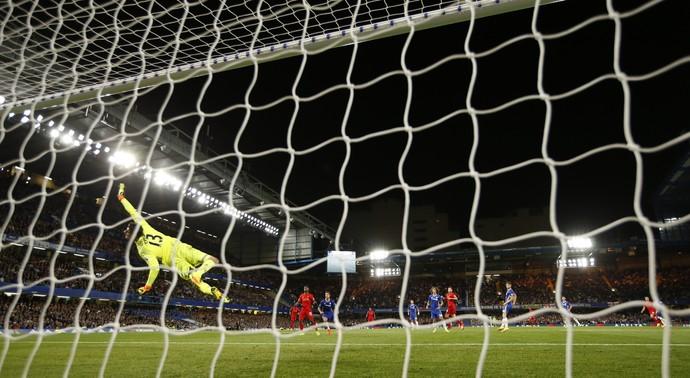 Thibaut Courtois Chelsea x Liverpool (Foto: Reuters)