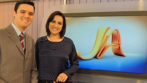 Ricardo Dias e Eliane Gonçalves apresentam o RBS Notícias e Jornal do Almoço (Foto: Divulgação)