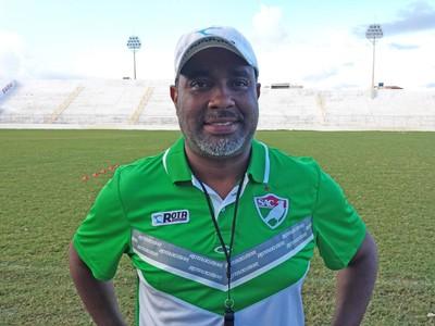 Fernando Alcântara elogia grupo do Salgueiro (Foto: Jadir Souza / TV Grande Rio)