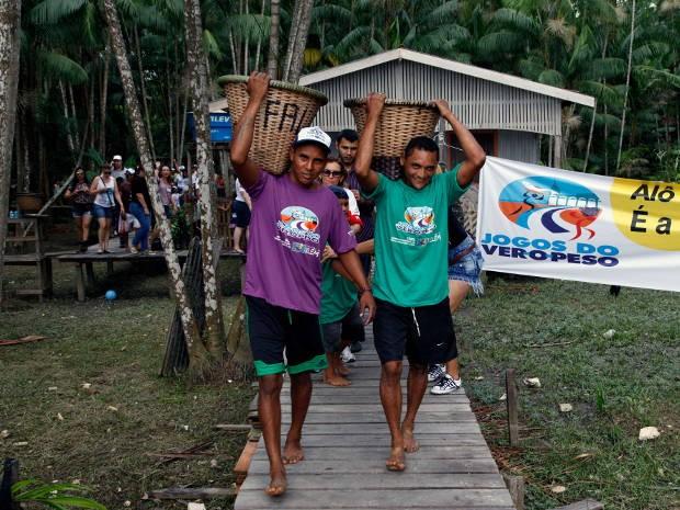 Participantes competem na Ilha do Combu, em Belém (Foto: João Gomes / Divulgação)