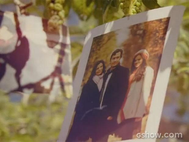 Fotos marcam abertura de Em Família (Foto: Em Família/TV Globo)