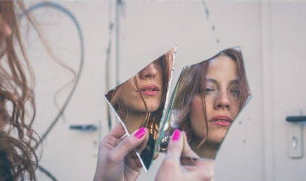 Pessoas que sofrem com TDC estão sempre insatisfeitas com a aparência  (Foto: BBC)