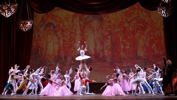Espetáculo misturou balé clássico com tecnologia (Foto: Cleber Gomes/Divulgação)