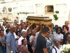 Cabeleireiro morto dentro do próprio salão é enterrado no Campo Santo