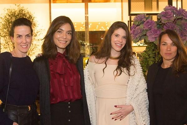 Ana Isabel Carvalho Pinto, Laura Ancona, Camila Schnarndorf e Marina Caruso no happy hour da La Mer e Marie Claire (Foto: Rogério Canella)