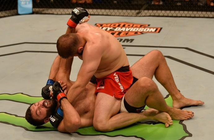 Marcin Tybura x Andrei Arlovski UFC SIngapura (Foto: Getty Images)