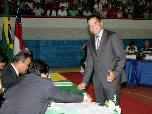 Vereador Jadson Martins durante posse (Foto: Ivanir Valentim/TV Amazonas)