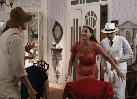 Candinho invade casa de Filomena!
