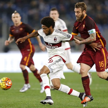 Luiz Adriano De Rossi Milan Roma (Foto: Giampiero Sposito / Reuters)