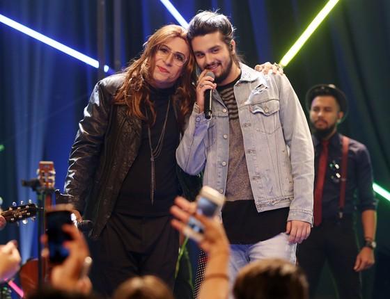 Luan Santana é o convidado da estreia ao lado da imitação da cantora Ana Carolina, feita por Tom (Foto: Divulgação)