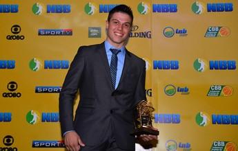 Davi, Deryk e Lucas Dias disputam prêmio de Jogador que mais evoluiu
