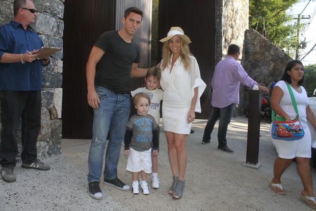 Dani Winits e Amaury no aniversario de Eva, filha de Angelica e Luciano Huck (Foto: Fabio Martins / Fotorio News)