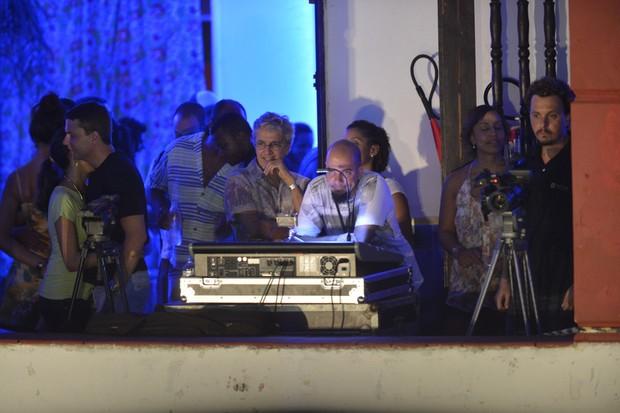 Caetano Veloso assiste a show de Luiz Caldas (Foto: Fábio Martins e Andre Muzzel/Ag News)
