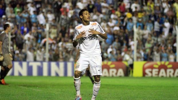 Neymar comemora, União Barbarense x Santos (Foto: Denny Cesare/Agência Estado)