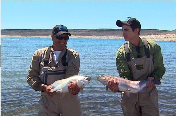 Na Patagônia Argentina pescaria de trutas: fartura na ponta da linha (Foto: Reprodução EPTV)