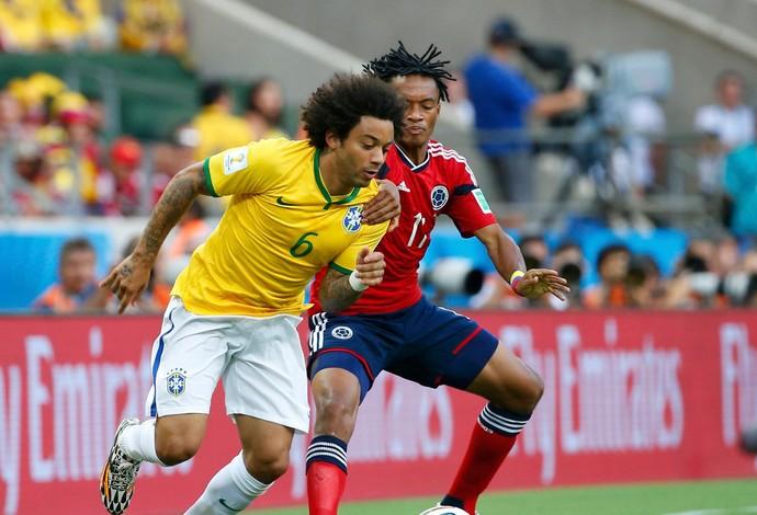 Marcelo brasil Cuadrado Colômbia Arena Castelão (Foto: Agência Reuters)