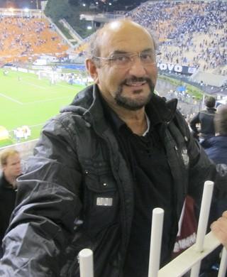 Luis Paulo Rosenberg comemora classificação do Timão (Foto: Lincoln Chaves / Globoesporte.com)
