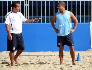 Alexandre Soares e Marcelinho Carioca Mundialito de Clubes de futebol de areia (Foto: Gaspar Nóbrega/Inovafoto)