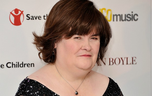 """A cantora Susan Boyle diz que já viu o espírito de sua mãe em casa. """"Acho que ela queria me informar que está bem. Trouxe um cheiro muito agradável"""", conta a escocesa. (Foto: Getty Images)"""