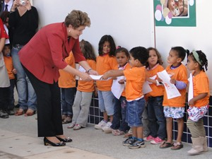 A presidente Dilma Rousseff, durante inauguração de creche em Betim, que recebeu R$ 1,3 milhão de investimentos do governo federal (Foto: Pedro Triginelli/G1)
