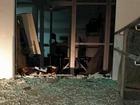 Grupo ataca PM e explode caixas eletrônicos em Pouso Redondo, SC