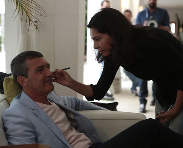 Vaidoso, Antonio Banderas foi maquiado antes de gravar entrevista (Foto: Felipe Monteiro / Gshow)