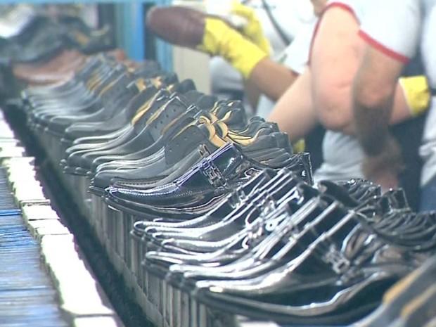 989878ea84d0e G1 - Indústrias de Franca atingem menor produção de calçados em 5 ...