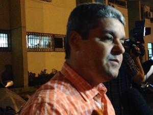 Advogado de defesa, Saulo Amazonas, representa três vereadores.  (Foto: Reprodução: G1 Caruaru)