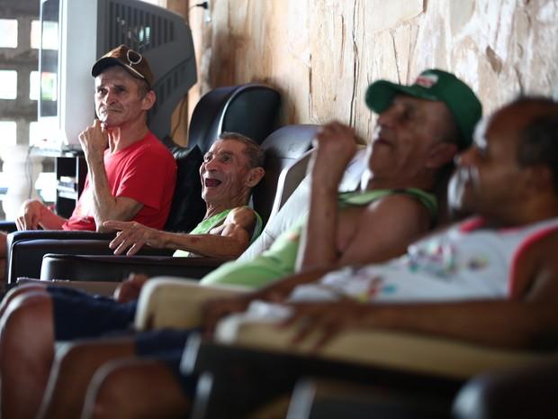 No abrigo São Vicente de Paula tem histórias de vários casos de alguma violência contra o idoso. (Foto: Jonathan Lins/G1)