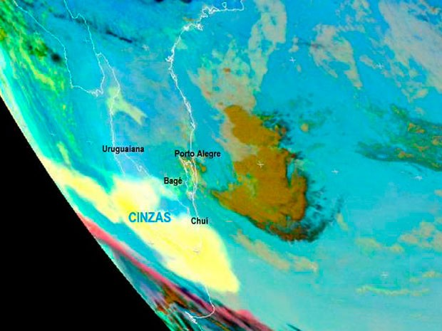 Cinzas vulcão chileno RS (Foto: Reprodução/RBS TV)