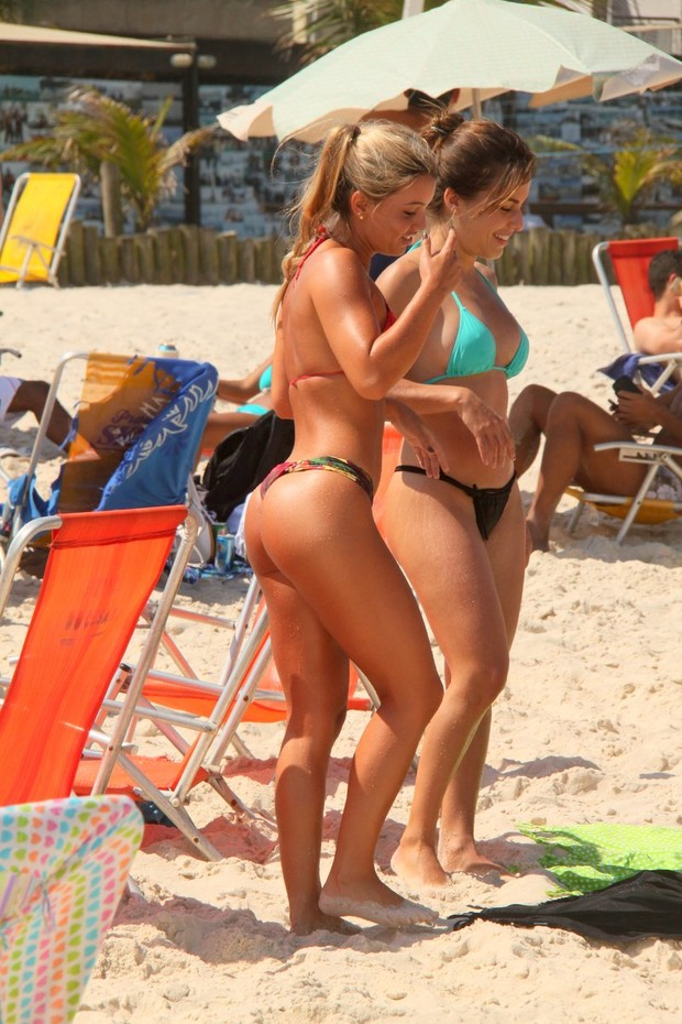 Beach Candid Teen Videos and Porn Movies - PornMD A Search.