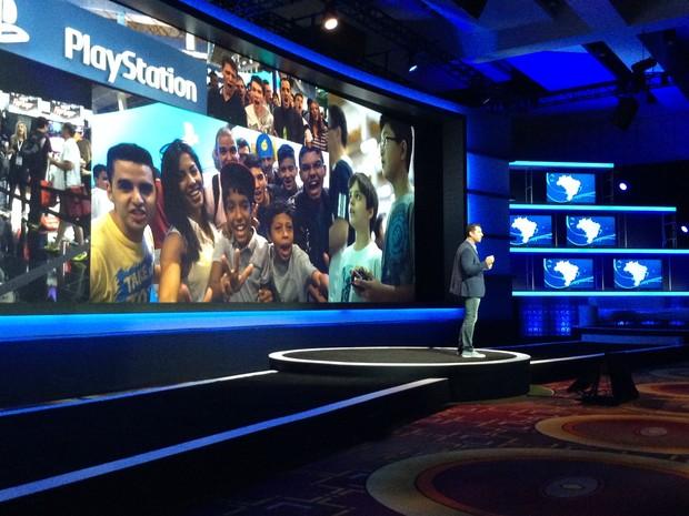 Anderson Gracias, country manager de PlayStation no Brasil, anunciou fabricação nacional do PS4 (Foto: Bruno Araujo/G1)